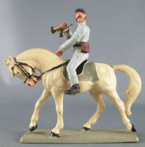 Starlux - Sudistes - Série ordinaire - Cavalier clairon regardant à gauche cheval blanc tête baissée (réf CS6)