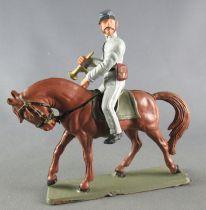 Starlux - Sudistes - Série ordinaire - Cavalier Clairon Regardant à Gauche Cheval Marron tête baissée (réf CS6)
