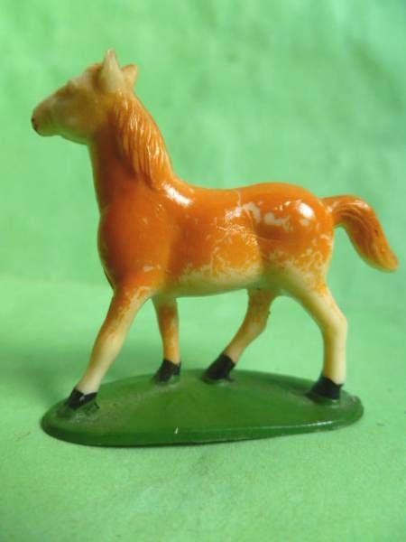 Starlux - The Farm - Animals - Colt (ivory) (series 53/54 ref 535)