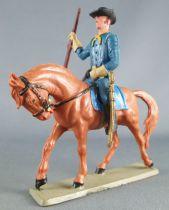 Starlux - Tuniques Bleues - Cavalier fusil en l\'air cheval baie tête baissée (réf CTB6)