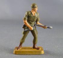 Starlux 30mm - Militaire - Armée Moderne - Combattant lance-flamme socle sable (réf M5)