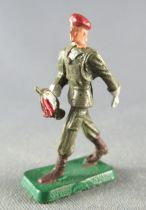 Starlux 30mm (1:55) - Army - Paratrooper Marching Bugle in Hand (ref MPM 66)
