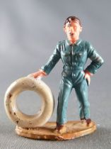Starlux 35mm (1/50°) - Cars station - Mechanic with tyre (ref 1021)