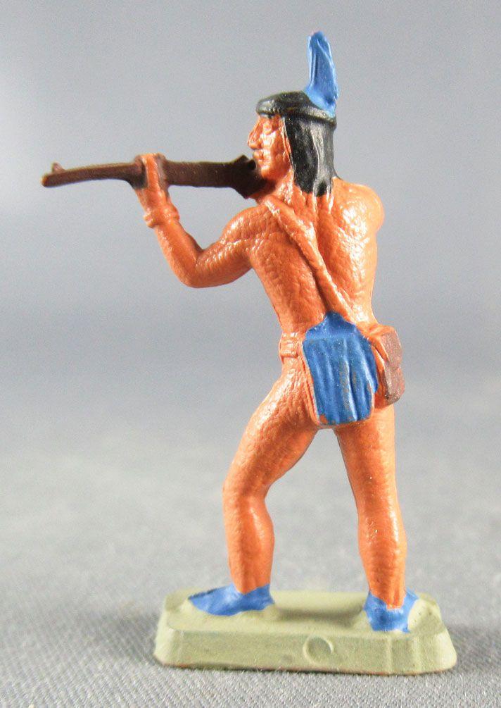 Starlux 35mm (1:50) - Wild West Indians- Firing rifle standing (ref MIS 7)