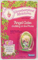 Strawberry shortcake - Miniatures - Angel Cake chatting on the phone
