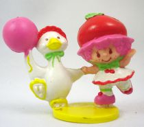 Strawberry shortcake - Miniatures - Cherry Cuddler skating with Gooseberry (loose)