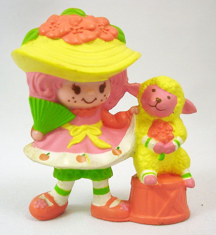 Strawberry shortcake - Miniatures - Peach Blush with her fan & Melonie Belle (loose)