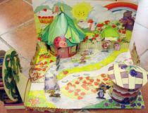 charlotte_aux_fraises___miniatures_play_set___strawberryland_diorama__loose_