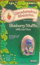 Strawberry shortcake - Pvc figure (Mint on card) - Blueberry Muffin with her hoe