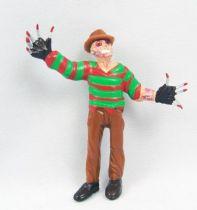 Super Monstres (Super Monstuos) - Série de 24 figurines PVC Yolanda 02