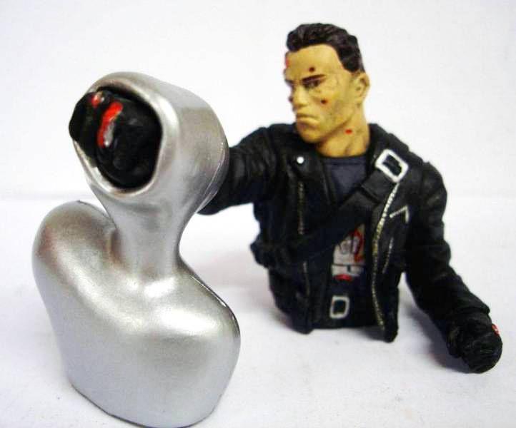 Terminator 2 - Collectible Figures - T800 vsT1000