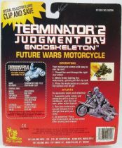 terminator_2___endoskeleton_sur_moto_toys_island_neuf_en_blister__1_