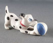 The 101 dalmatians - Jim figure - Puppy plays with ball (blue) red collar