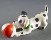 The 101 dalmatians - Jim figure - Puppy plays with ball (green collar)