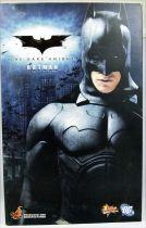 "The Dark Knight - Batman \""Original Costume\"" - Figurine 30cm Hot Toys MMS67"