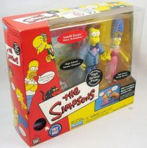 The Simpsons - Playmates - High School Prom with Homer Simpson & Marge Bouvier (1)