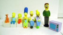 The Simpsons - Set of 8 Vinyl Figures - Simpsons Familly on Sofa