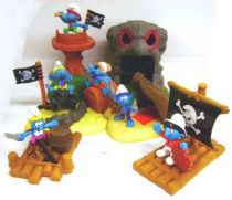 The Smurfs - McDonald 2004 \'\'Pirates\'\' (Set of 6 figures with base)