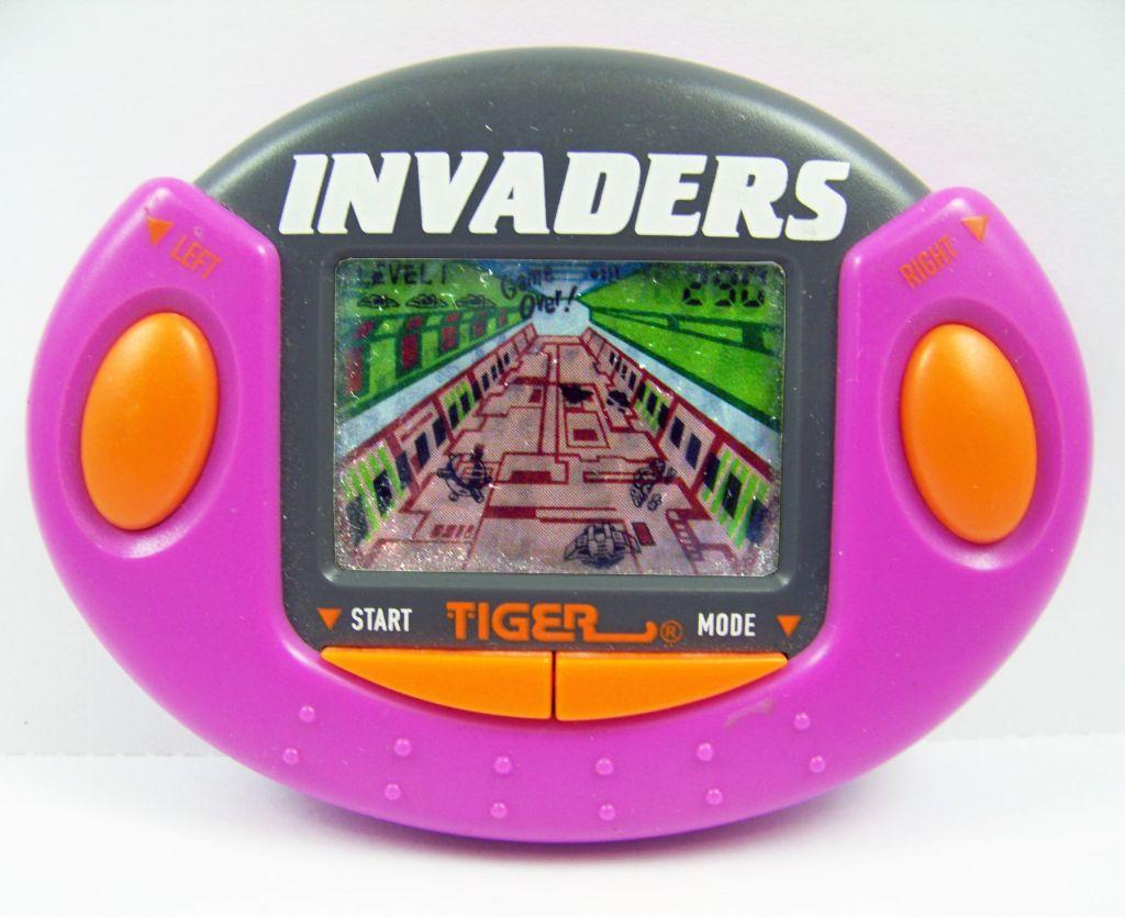 Tiger Electronic - Handheld Game - Invaders