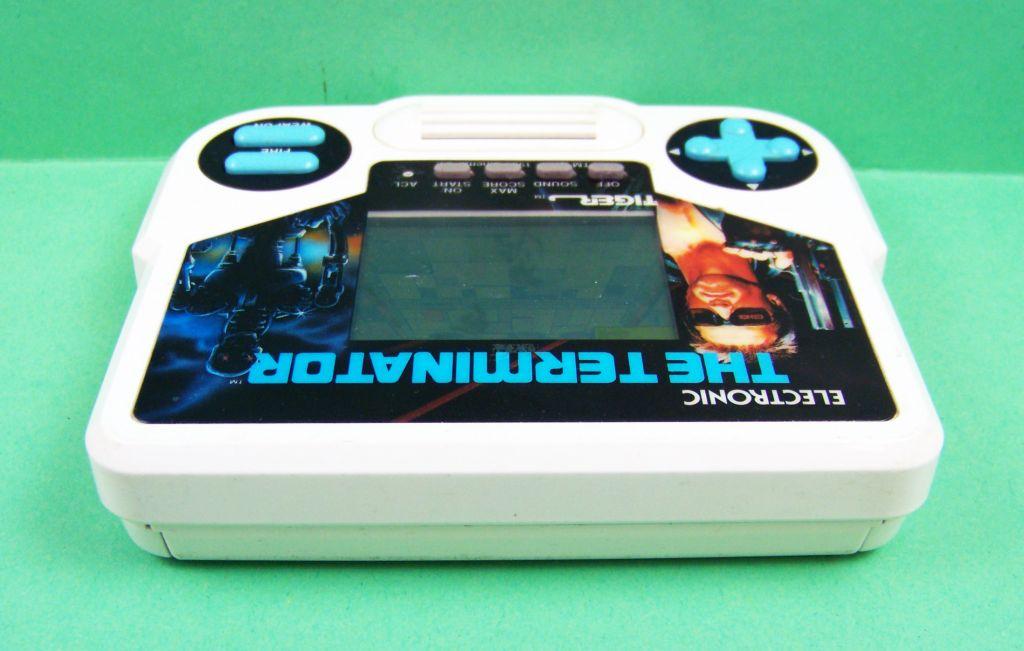 tiger_electronic___handheld_game___the_terminator_03