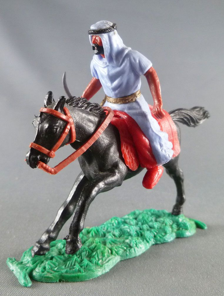 Timpo - Arabs - Mounted - Blue (knife) red trousers (gold belt) black galloping (long) horse