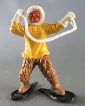 Timpo - Eskimos - Both Arms raised yellow (white harpoon) advancing fawn legs