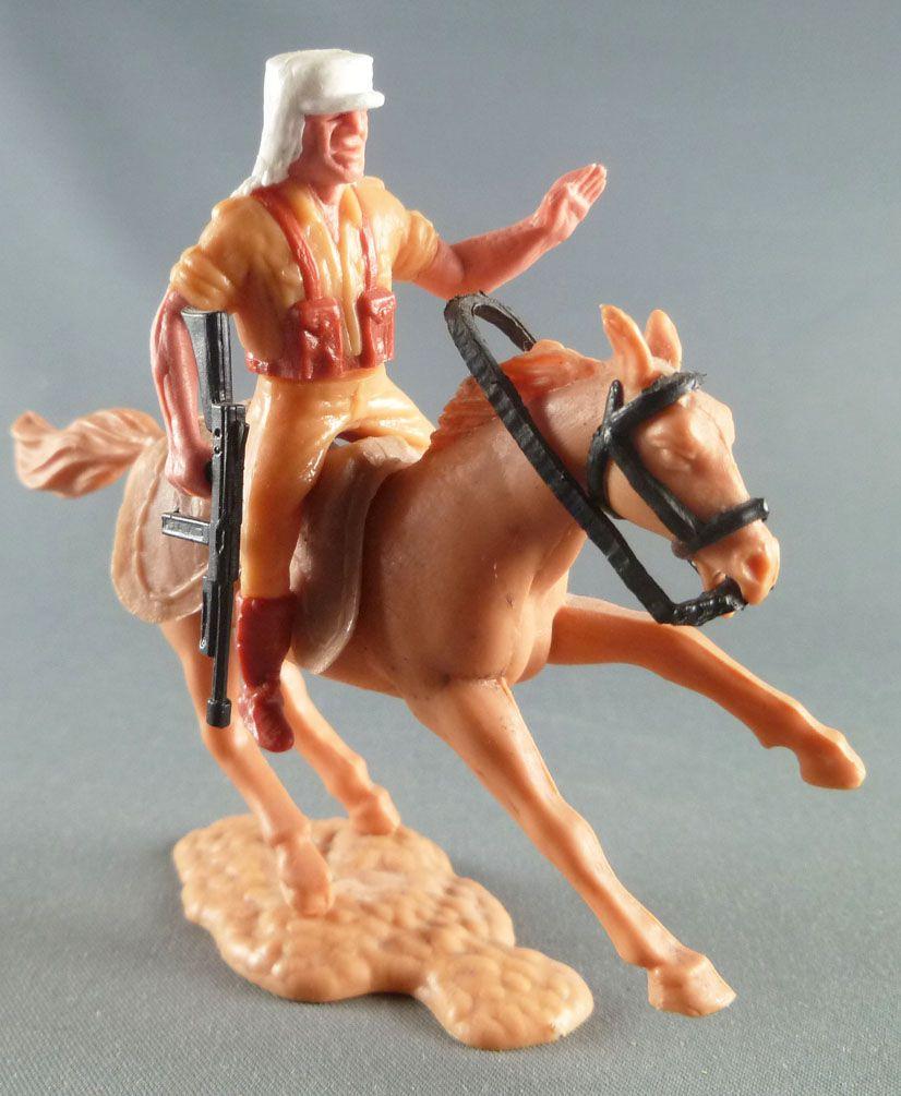 Timpo - Légion Etrangère - Cavalier bras gauche levé (mitraillette) cheval baie galop court