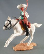 Timpo - Mexicans - Mounted (moulded belt) both hands at waist height white jacket (pistol & whip) black legs white hat white gal