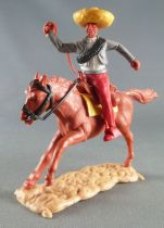 Timpo - Mexicans - Mounted (separate belt) right arm raised grey jacket red legs yellow hat brown galloping (long) horse