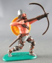 Timpo - Viking - Footed Archer (brown hairs) grey advancing legs yellow shield