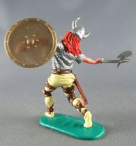 Timpo - Viking - Footed Wounded by arrow (broken arrow) (red hairs) yellow advancing legs double axe gold shield