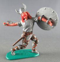 Timpo - Viking - Piéton Blessé par flèche (flèche cassée) (roux) jambes avancant grises hache double bouclier gris