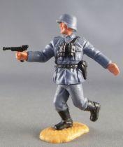 Timpo - WW2 - Allemands - 2ème série (tete & casque monobloc) - Officier (luger) courant