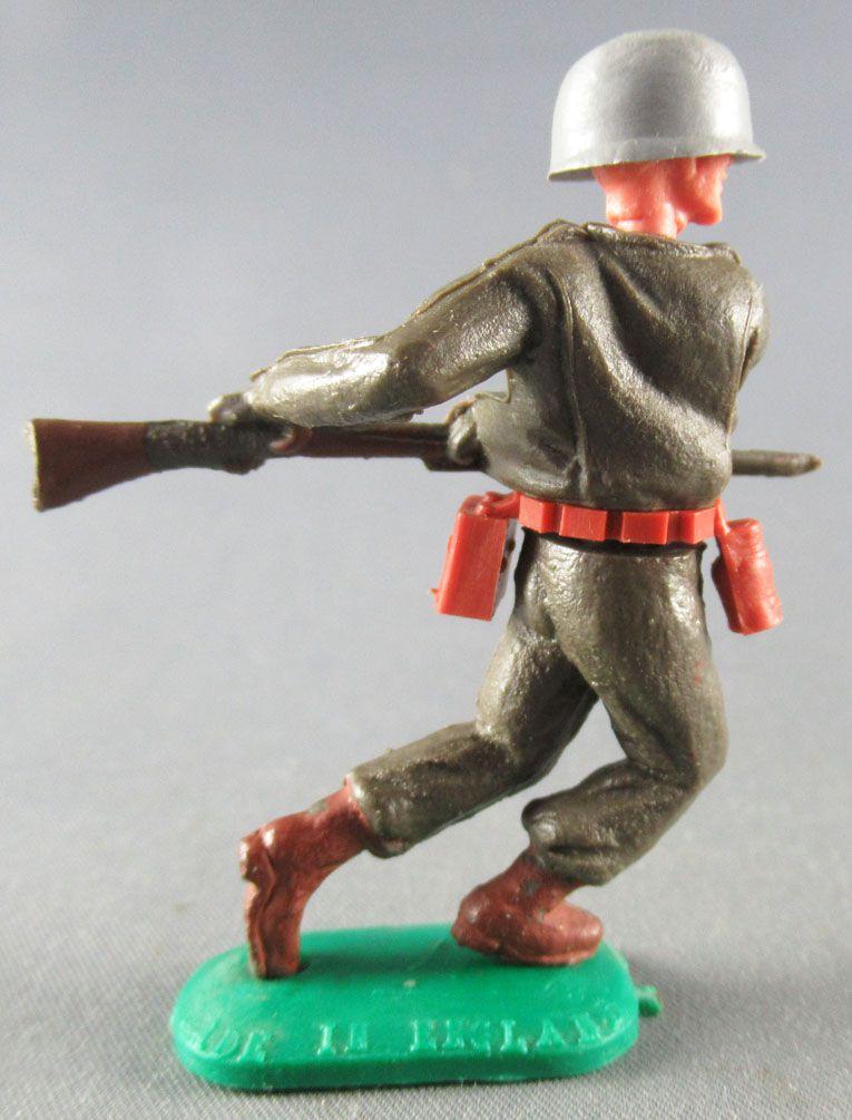 Timpo - WW2 - Américains - 1ère série - Chargeant bayonette jambes avançantes