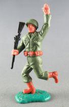 Timpo - WW2 - Américains - 2ème série - Bras levé (fusil) jambes courantes
