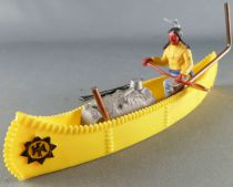 Timpo Indians 3rd series (1 piece head - knife belt) Canoe (Cargo Yellow) fig. paddle on left yellow shirt blue pants blue feath