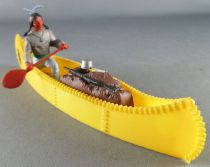 Timpo Indians 3rd series (1 piece head - knife belt) Canoe (cargo Yellow) indian (paddle on right) grey shirt blue pants blue fe
