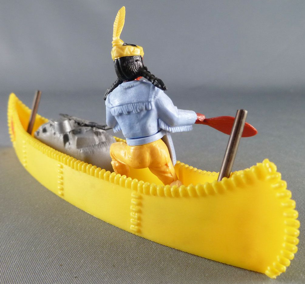 Timpo Indians 4th series (1 piece head - headband 1 feather) Canoe (Cargo Yelow) fig. paddle on right blue shirt yellow pants ye