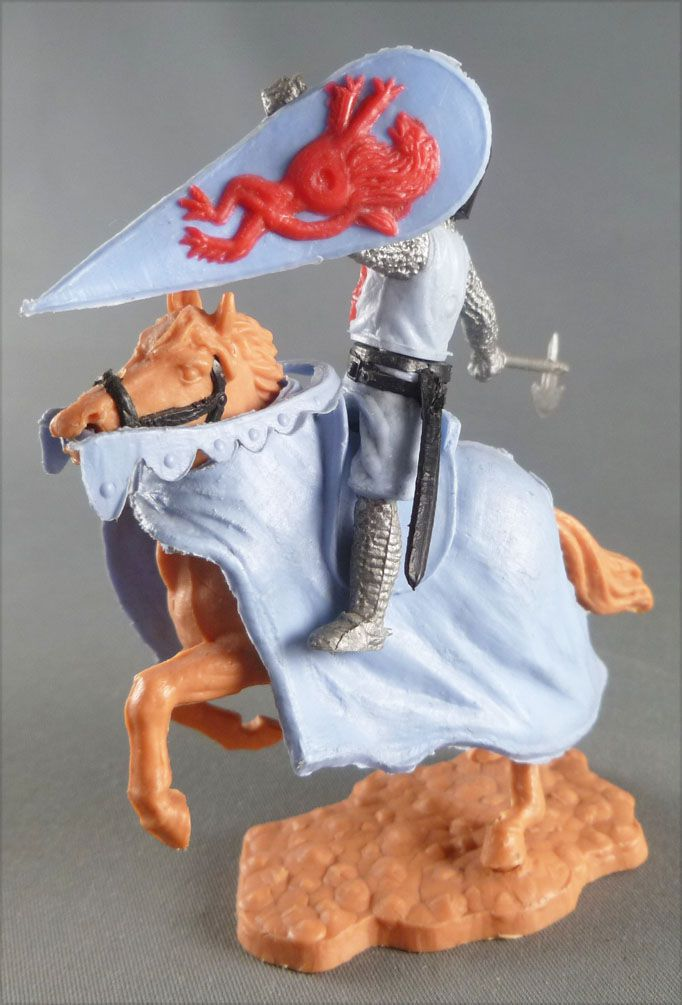 Timpo Middle-Age Medieval Knights mounted green and red helmet (axe) light brown rearing up horse (blue cloak)
