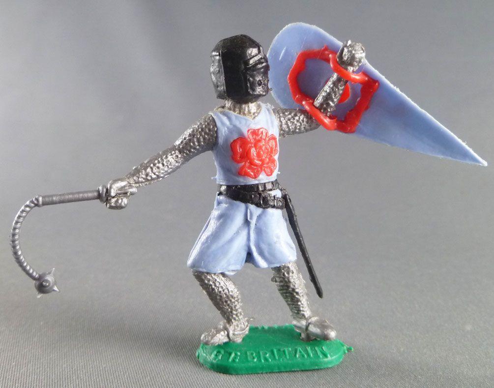 Timpo Moyen-Age chevaliers médievaux piéton bleu ciel casque noir masse d\'arme jambes avançantes
