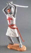 Timpo Moyen-Age Croisé 2ème série piéton épée à deux mains jambes penchées vers la droite