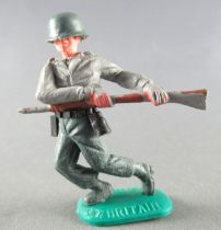 Timpo WW2 - Germans - 1st series - Charging with rifle advancing legs