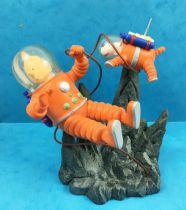 Tintin - Chaoer Comics Scenes - Tintin and Snowy astronauts