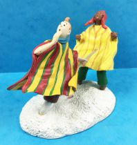Tintin - Moulinsart Resin Figure - Tintin with Zorrino in the snow (The Temple of the Sun