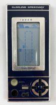 TomyTronic - Handheld LCD Game - Slimline Speedway (occasion)