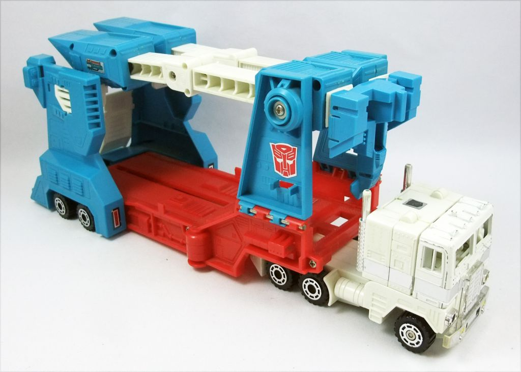 Transformers G1 - Autobot City Commander - Ultra Magnus (loose)