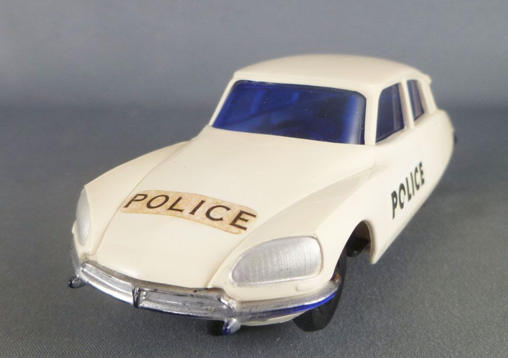 Tri-Ang - Slot Car - Citroën DS 23 IE Police Battery Toy 1:32