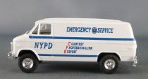 Trident 90240 Ho 1:87 Chevrolet Van NYPD Emergency Service Mint in Box