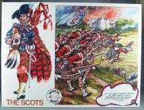 Universal Models 1005 - 35mm - The Scots - Mint Boxed Set 10 Figures with playground