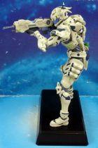 vanquish___sam___statuette_17cm__1_